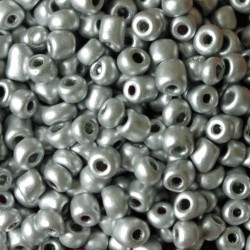 Seedbeads - glaspärlor - 4 mm - ca 550 st - silvergrå